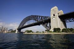 Dans l'Australie, jetez un pont sur la photo dans le sdney Photographie stock