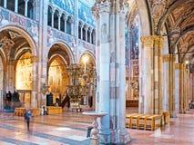 Dans la cathédrale de Parme Photo stock