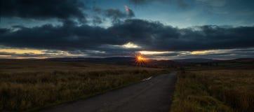 Dans le coucher du soleil Photos libres de droits