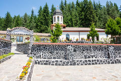 Dans le monastère du saint Panteleimon en Bulgarie Photos stock