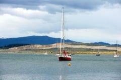 Dans le port d'Ushuaia - la ville la plus la plus au sud de la terre Image libre de droits