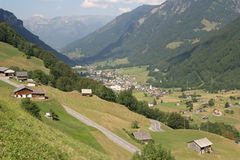 Dans les Alpes suisses Photo libre de droits