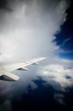 Dans les nuages photographie stock
