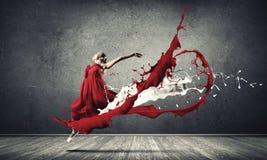 Dans met hartstocht stock afbeeldingen
