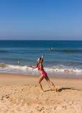 Dans på stranden av Goa Royaltyfri Foto