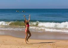 Dans på stranden av Goa Royaltyfria Bilder