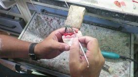 Dans une construction dentaire d'implant dentaire de laboratoire clips vidéos