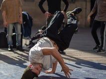 Dansa avbrottsdans i bolognaen, Italien arkivbild