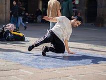 Dansa avbrottsdans i bolognaen, Italien royaltyfri fotografi