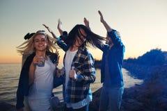 Dansa efter solnedgång Fotografering för Bildbyråer
