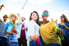 Dansa glat begrepp för strandsommarlycka Royaltyfri Fotografi