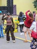 Dansa i gatan Arkivbilder