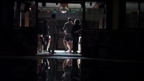 Dansa i klubban arkivfilmer