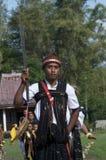 Dansa i traditionell kläder Flores Indonesien Arkivbilder