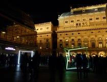 Dansa kuber vid VACEK & SMID på signalfestivalen Prague Royaltyfri Fotografi