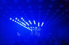 Dansa ljus i nattklubb arkivbilder