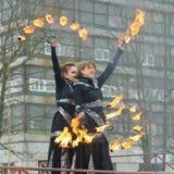 Dansa och jippon med brand Fotografering för Bildbyråer