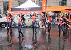 Dansa på asfalten Royaltyfria Bilder