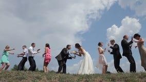 Dansa på bröllopet stock video