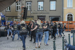 Dansa, partiet och utseendet på Halden fyrkanter Royaltyfri Fotografi