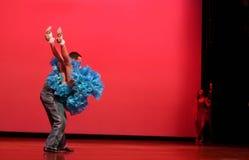 dansa som är modernt arkivbild