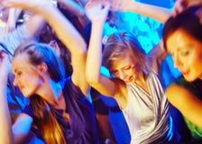 Dansant la nuit partie Images libres de droits
