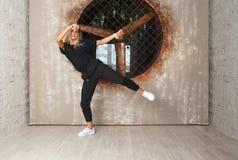 Dansare för gatadansflicka Royaltyfria Bilder