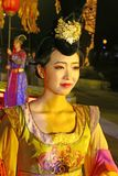 Dansare i dräkt för skarp smakdynasti i Xian Arkivfoto