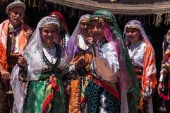 Dansare i traditionell dräkt i Turkiet Royaltyfria Bilder