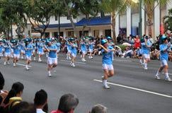 Dansare på den Honolulu festivalen 2012 ståtar Arkivfoton