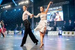 Dansare som dansar latinsk dans Royaltyfri Fotografi
