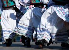 dansare som tradionally kläs Arkivfoton