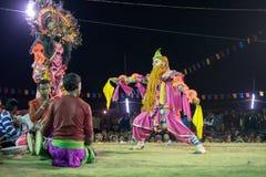 Dansare som utför på Chhau, dansar festivalen, västra Bengal, Indien Royaltyfri Fotografi