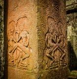 DansareBas-Relief i Angkor Wat Royaltyfri Foto