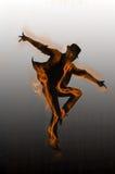 Dansaredansen dansar på bakgrunden Royaltyfria Foton