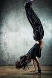 dansarekvinnabarn arkivfoton