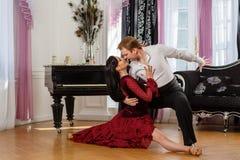 Dansbarnpar. royaltyfri fotografi