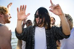 Danse asiatique d'homme sur la partie Images libres de droits