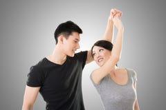Danse asiatique de couples Photo stock