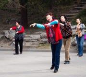 Danse chinoise de femmes photo stock