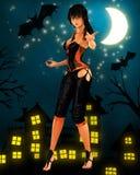 Danse d'une chevelure noire de sorcière sous la lune Image libre de droits