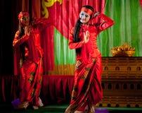 Danse de Birman Images stock
