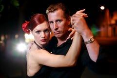 Danse de couples sur une rue Image libre de droits