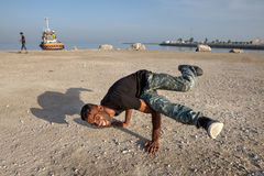 Danse de coupure sur la plage du golfe Persique, Iran du sud Photos stock