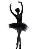 Danse de danseur de ballet de ballerine de jeune femme Photographie stock libre de droits