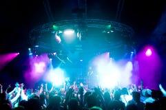 Danse de gens au concert Images libres de droits