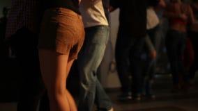 Danse de Kizomba à l'obscurité banque de vidéos