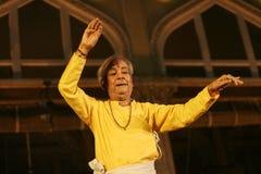 Danse de Pandit Birju Maharaj - de Kathak Images libres de droits