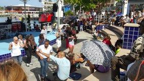 Danse de personnes de Bayside Miami Photos stock