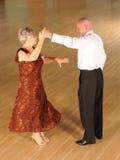 Danse de salon supérieure de couples photo libre de droits